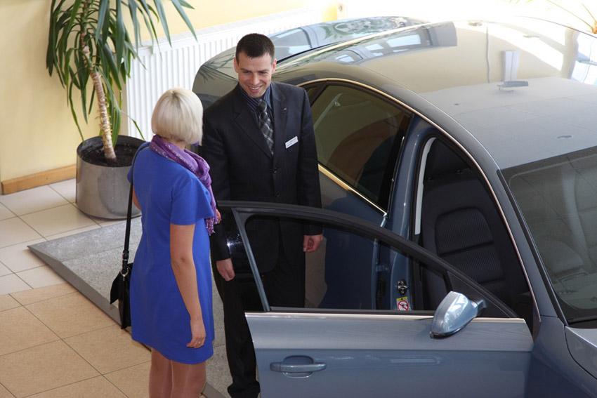 Поочередность действий при покупке нового автомобиля у серого дилера